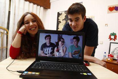 Abigail Frías (Abi Power) and Kevin Prieto (LokOfLucky) in their home, where they record their videos.