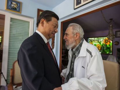 Chinese president Xi Jinping visits former Cuban leader Fidel Castro.