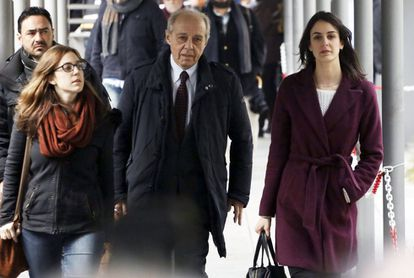 Rita Maestre (right) arriving at the courthouse with her lawyer on Friday.
