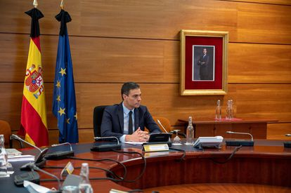 Spanish PM Pedro Sánchez at the Cabinet meeting on Friday.