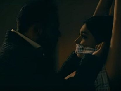 Still photo from the music video Fuiste mía by Gerardo Ortiz.