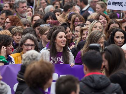 Equality Minister Irene Montero (c) at Sunday's 8-M Women's Day march in Madrid.