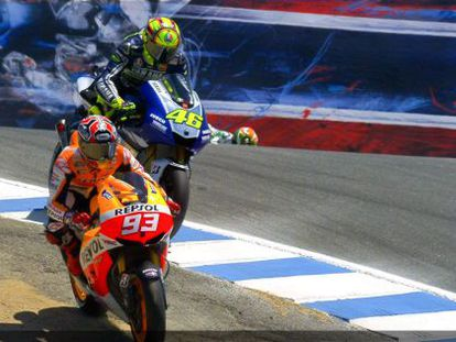 "Márquez makes his move on Rossi at ""the corkscrew"" in Laguna Seca."