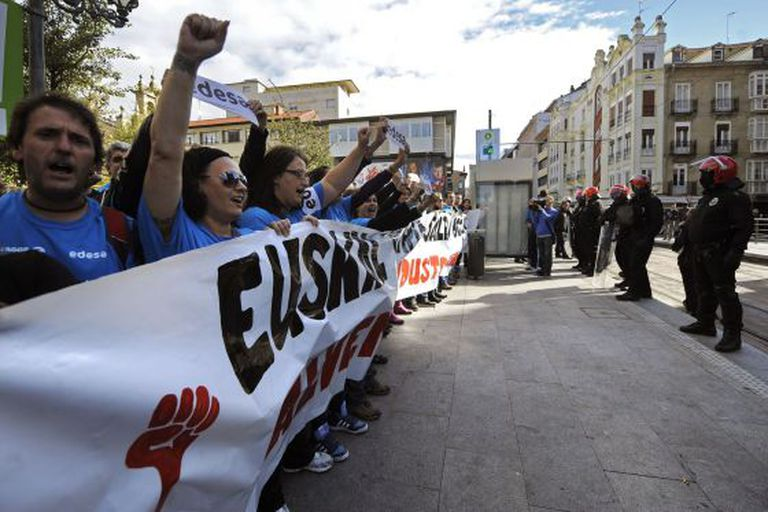 Workers from the appliance maker Fagor-Edesa protest outside the Basque regional parliament hours before a meeting between representatives of its parent company and the Basque regional government.