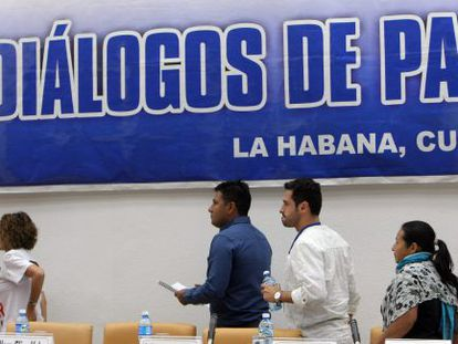A group of victims participating in the talks between the Colombian government and the FARC guerrilla in Havana.