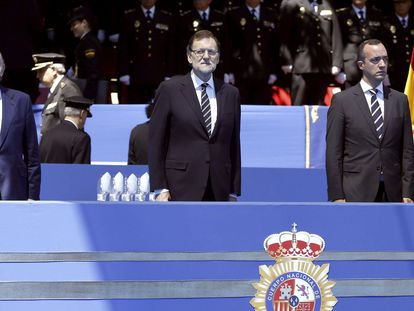 Left to right: Former Interior Minister Jorge Fernández Díaz, former Prime Minister Mariano Rajoy and former state secretary for security Francisco Martínez at an official event in 2014.