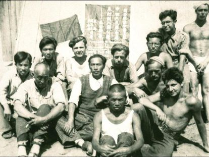 Captured brigadists, including Xie Weijin (third from left at back), at the Gurs internment camp in France.