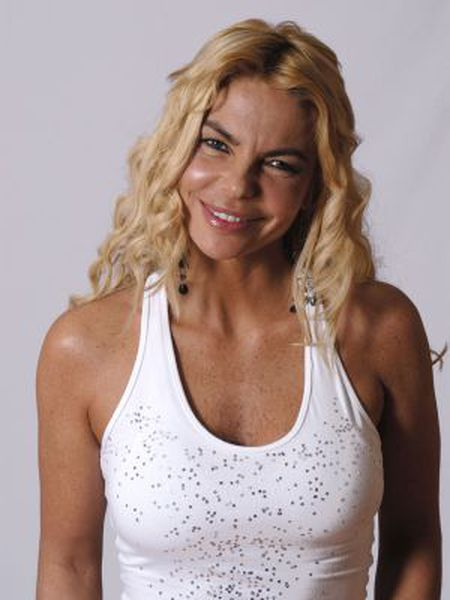 A promotional photograph of Leticia Sabater.