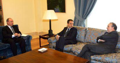 Former IMF director Rodrigo Rato (l), with then-PM Zapatero and Deputy PM Pedro Solbes, pictured in 2005.