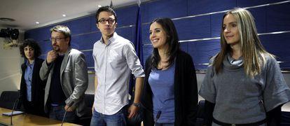 Podemos deputies Alexandra Fernández, Francesc Xavier Domenech, Íñigo Errejón (c), Inés Montero and Ángela Ballester.