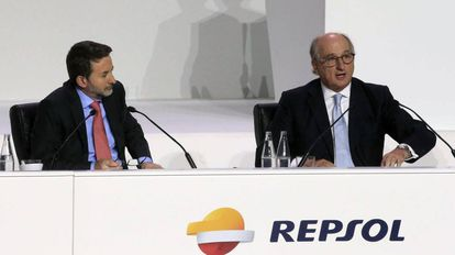 Repsol CEO Antonio Brufau (right) with managing director Josu Jon Imaz.