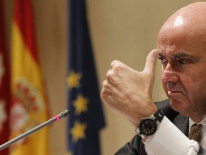 Economy Minister Luis de Guindos said banks would save €30 billion.