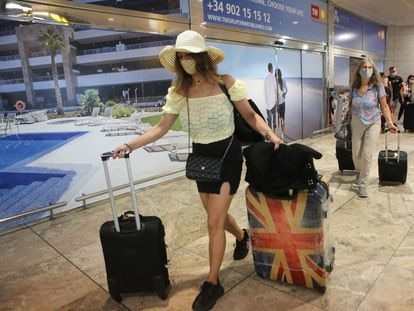 UK tourists arrive in Alicante on Monday.