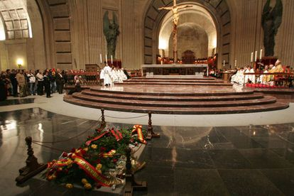 Mass dedicated to the 30th anniversary of Franco's death.