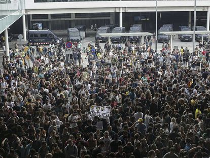 Independence supporters filled Barcelona airport on Monday.