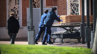The coffin of a coronavirus victim in La Almudena cemetery in Madrid.