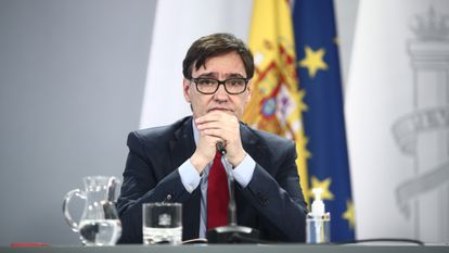 Salvador Illa has stepped down as health minister to run as a candidate with the Catalan Socialists (PSC).