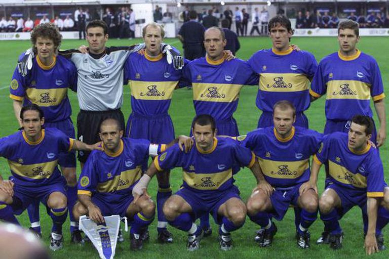 The Alavés team that narrowly lost to Liverpool in the 2001 UEFA Cup final.