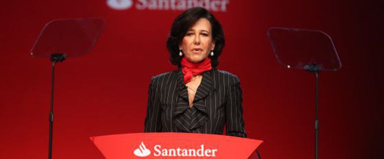 Ana Patricia Botín addressing shareholders following her father's death.