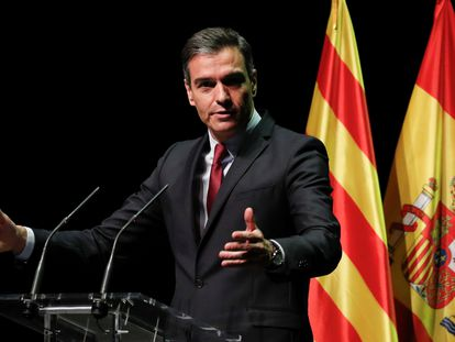 Spanish Prime Minister Pedro Sánchez explains his plan to issue pardons to Catalan separatist leaders in Barcelona.