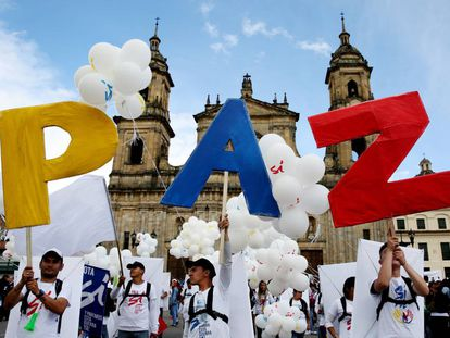 Hundreds of people gather for 'The Peace Concert' on Monday in Bogotá.