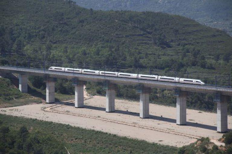 The bridge spanning the Candi ravine near Montblanc, in Tarragona province, cost €43.5 million to fix.