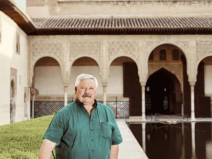 Paco García Montes in the Arrayanes Courtyard.