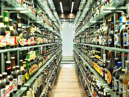 Spaniards drink an average of 48 liters of beer a year.