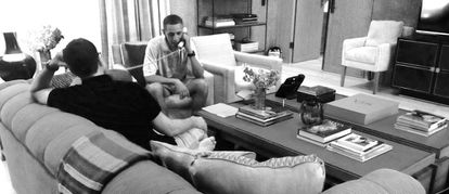 Obama speaks to former King Juan Carlos after his abdication, in Costos's home in Palm Springs in 2014.