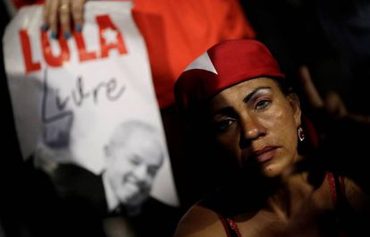 A Lula supporter discouraged about the Supreme Court's decision.