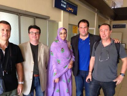 The Spanish delegation of lawmakers, pictured with activist Aminatú Haidar.