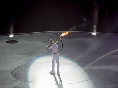 Antonio Rebollo lights the cauldron at Barcelona '92.