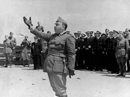 General Francisco Franco addresses troops in Castellón, during the Spanish Civil War.