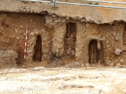 Bodies found by archeologists along the medieval wall of Almazán in Soria, Spain.