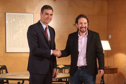 Pedro Sánchez (l) and Pablo Iglesias at their Tuesday meeting.