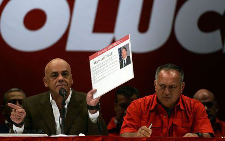 Jorge Rodríguez and Diosdado Cabello describing the alleged murder plot.