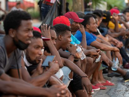 An archive photo from September 23, 2021, of a group of Haitian migrants in Mexican shelters.