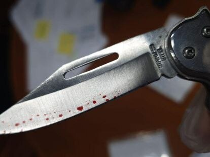 The pocketknife that was sent to Tourism Minister Reyes Maroto.