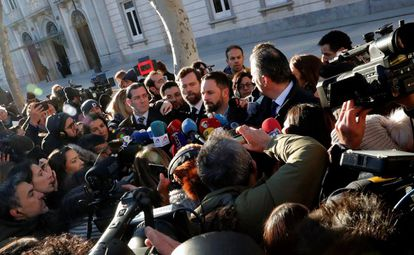 """Leader of far-right party Vox, Santiago Abascal (c), arrives at the Supreme Court on Tuesday morning. He told the press: """"The fact that the premier of Catalonia [Quim Torra] is with the public and not on the bench with the accused is a sign that the coup continues."""""""