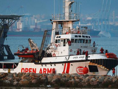 The 'Open Arms' arrives in Algeciras.