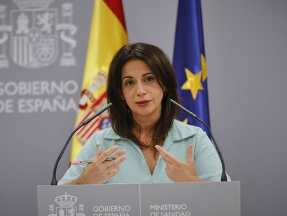 Health secretary of state Silvia Calzón at a press conference on Monday.