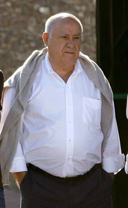 Inditex founder Amancio Ortega is the world's fourth richest person, according to 'Forbes' magazine.