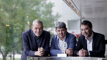 Jorge Díaz, Antonio Mercero and Agustín Martínez, winners of the Planeta Prize, in Barcelona on Saturday.