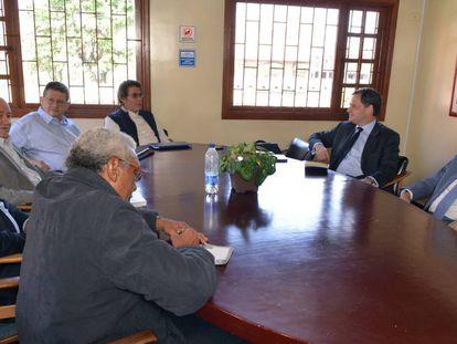 FARC members with Colombian government negotiators Sergio Jaramillo and Humberto de la Calle.