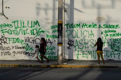 Graffiti denouncing the death of Victoria Salazar at the hand of police in the popular tourist town of Tulum.