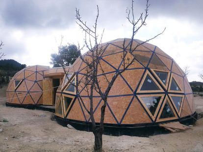The almost-completed dome home in Jumilla (Murcia).