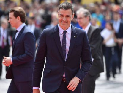 Pedro Sánchez arrives at the EU summit in Romania.