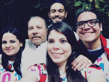 Nicaraguan President Daniel Ortega (2nd l) with his children Luciana (l), Camila and Maurice Ortega (r).