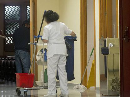A cleaner at Seville University.