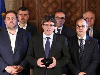 Minimum services in the region after unions call stoppages in response to actions by Spanish National Police and Civil Guard on Sunday